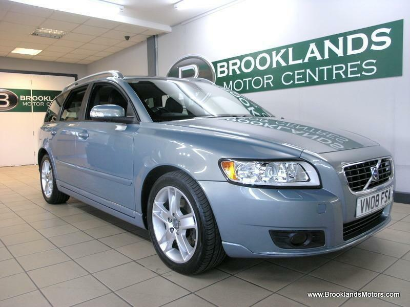 Volvo V50 2.0D SE LUX SPORTSWAGON [7X SERVICES, LEATHER and HEATED SEATS]