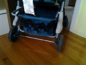 Stroller in excellant condition for sale. West Island Greater Montréal image 6