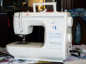 """MONARCH """"CATALYST CUT and SEW PRO"""" SEWING MACHINE"""