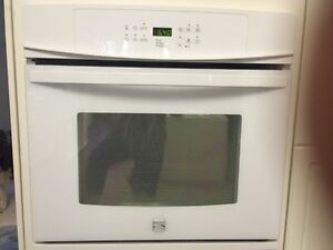 BUILT IN OVEN AND RANGE HOOD FOR SALE