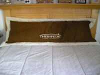 Therapedic Body Pillow/Zippered Cover
