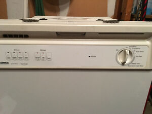 Kenmore Dishwasher white Kitchener / Waterloo Kitchener Area image 2