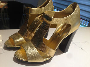 BCBG brand new gold shoes size 6.5
