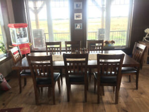 Gorgeous Solid Wood 8 person Dining Table
