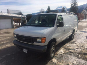 2005 Ford E-250 Extended - Camper