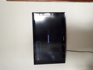 Samsung 24 inch in great shape with wall mount and remote.