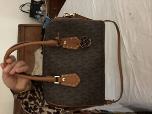 Selling Brand New Micheal Kors Purse!