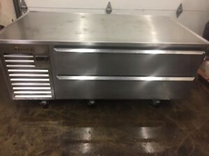"""Traulsen 60"""" Refrigerated Chef's Stand"""