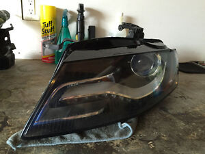2009-2012 Audi A4/S4 OEM driver side Bi-Xenon headlight