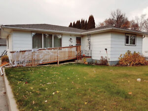 Spacious family home for rent in Charleswood