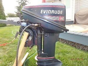 EVINRUDE 9.9 Outboard