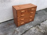 Pine chest of drawers can deliver