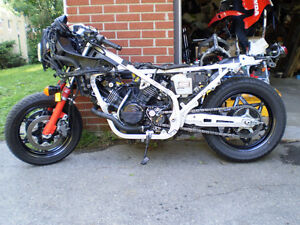1985 Honda VF1000R  (bikes and parts) :