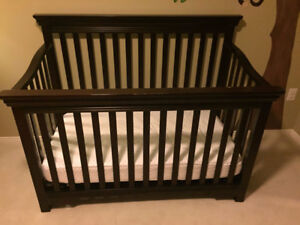 Used Wood Crib and Safety 1st Mattress