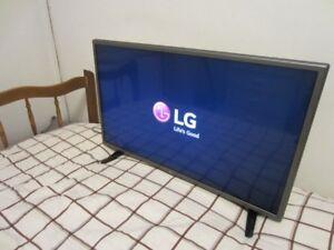 """LG 32"""" 720p LED HD TV Model 32LX300C"""