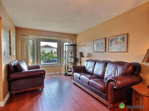 Couch and loveseat London Ontario image 1