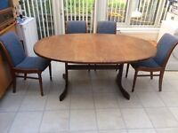 G PLAN Vintage Retro extendable dining table plus 6 good quality, sturdy chairs