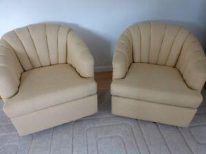 2 Fauteuils Pivotants Jaune - 2 Yellow Swivel Chairs