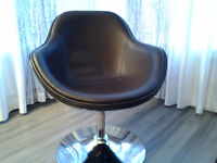 Fauteuil pivotant - Coquille