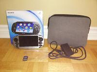 Console Sony PS Vita avec etui rigide et 1 jeux