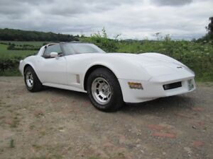 1980 CORVETTE WHITE 4-SPEED  - EXCELLENT SHAPE