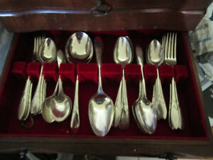 Silver plate Community flatware 'Lady Hamilton' pieces