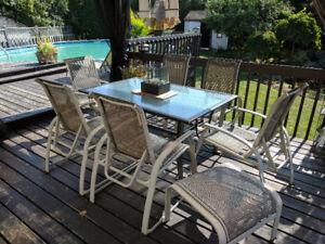 8 Piece Patio Furniture / 8 meubles de patio