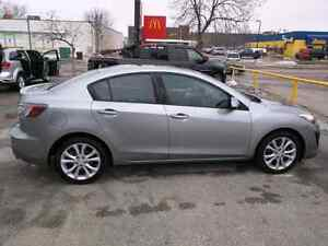 2010 Mazda3 - Extended Warranty - Sunroof - Heated Seats
