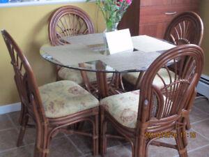 gazeebo or sun room table and 4 chairs-BAMBOO & WICKER