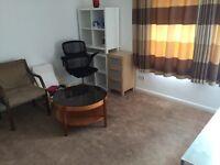 1 Bedroom Flat in Chadwell Heath on Cornshaw Road, RM8 1SS (Including all bills)