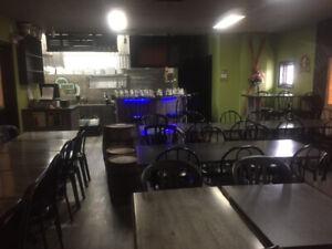 Bâtiment de restaurant à Vendre ou à Louer