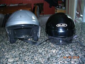 2 CASQUES de MOTO