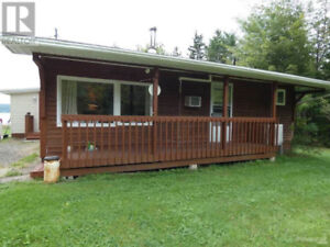 Beautiful 3 bedroom Cottage in Baddeck, Cape Breton!