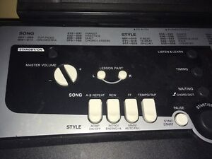 Used Yamaha keyboard in excellent condition  Kawartha Lakes Peterborough Area image 3