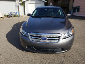 2012 ford Taurus with low km