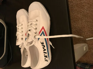 Brand new never worn size 11 canvas shoe
