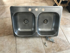 Kitchen stainless steel double sink includes 2 plugs