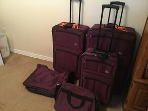 5 pc luggage set with wheels