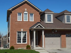 Spacious 3+1 Bedroom Townhome for Rent in Brampton!