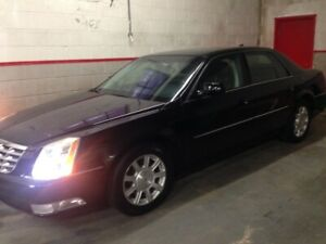 2010 Cadillac DTS Luxury I Sedan