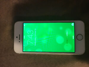 IPHONE 5s PERFECT CONDITION, NO SCRATCHES Kingston Kingston Area image 4