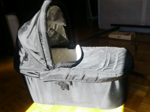 Uppababy Travel Bassinet
