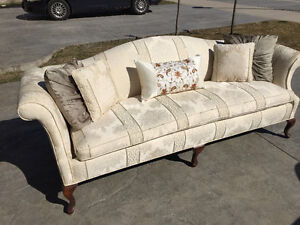 Solid wood couch perfect for a Victorian home London Ontario image 1