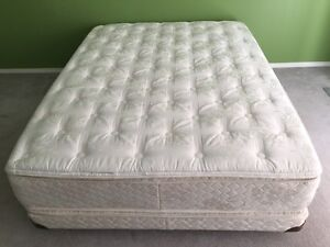 Queen Size Sealy Pillowtop Bed, in great condition