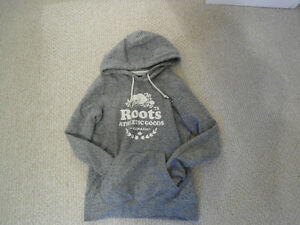 Like New!!! Women's Roots XS Salt & Pepper Colour Hoodie