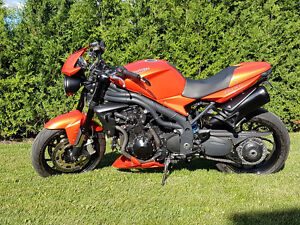 triumph speed triple 2008 showroom