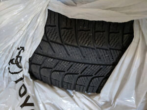 X-Ice Xi3 (<20kms) Winter Tires P215/55R17 98H Tires