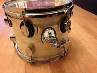 Rack Tom drum. DW Pearlescent White Concept Maple. PDP.