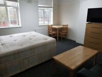 Stunning large Double Rooms available for Quick move / WATFORD junction.- £160 / WEEK