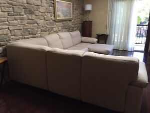 Sofa Chateau d'Ax Made in Italy West Island Greater Montréal image 3